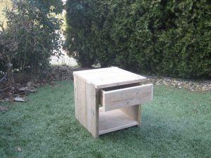 nachtkastje van steigerhout met lade
