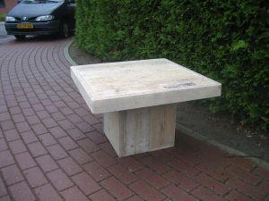 salontafel van steigerhout met blokpoot