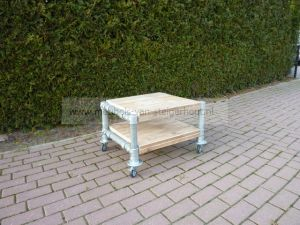 salontafel van steigerhout met steigerbuizen frame