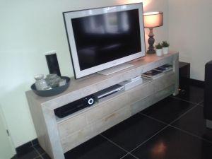 tv-meubel van steigerhout met lades