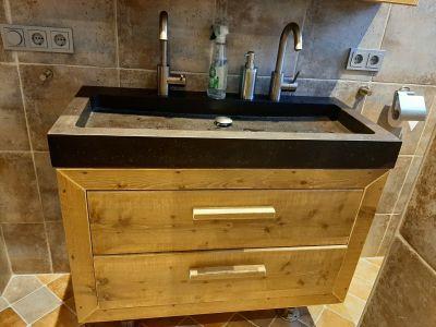 badkamermeubel van steigerhout met lades