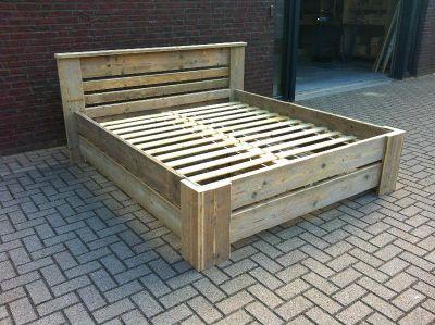 bed van steigerhout