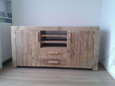 dressoir van steigerhout met lades en deuren