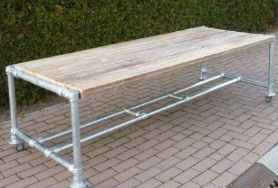 tafel van steigerhout met onderstel van steigerbuis